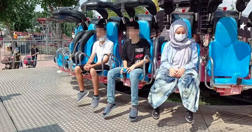 """""""The Turkish Zeynep (19) loses consciousness in the attraction of an amusement park and dies"""" Abroad"""