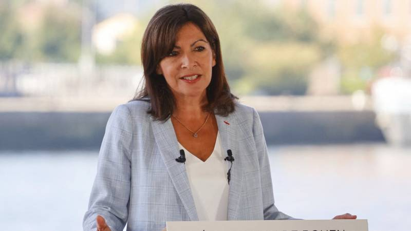 The mayor of Paris is a candidate for the French presidential election