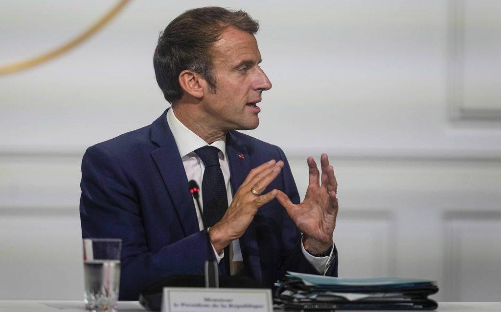Macron receives US Secretary of State during submarine dispute
