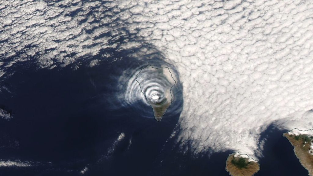 Beautiful photo of the volcanic sky above La Palma, but what do we really see?