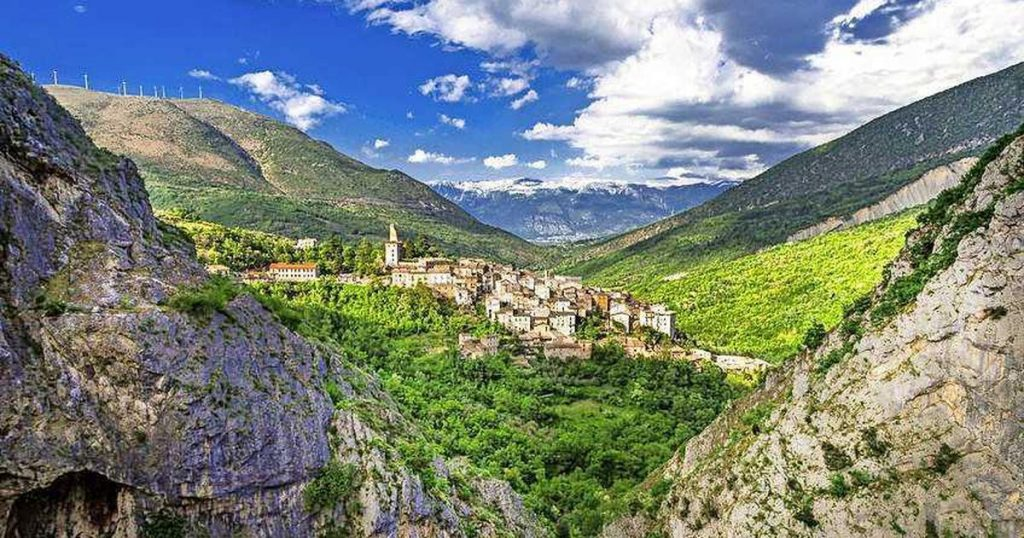 Buying a house in the Italian region of Abruzzo?  It will cost you 1 euro |  To travel