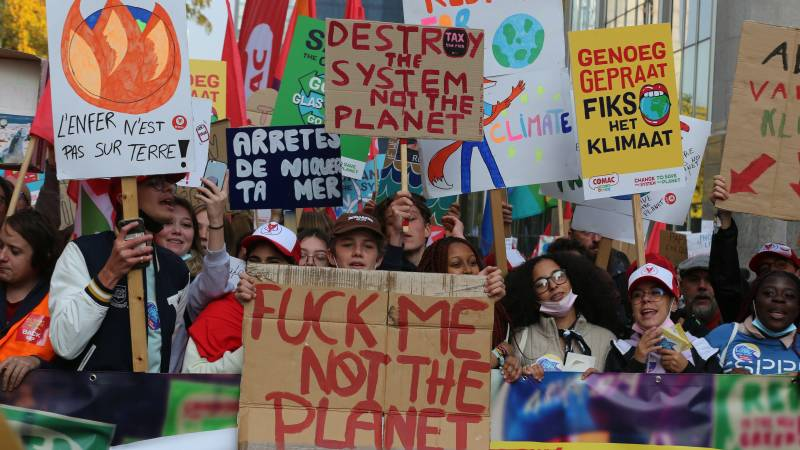 Climate protest in Brussels, demonstrators march through the city