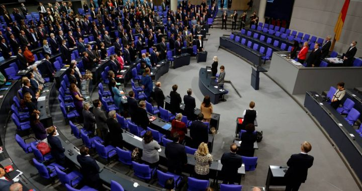 """Critics of the size of the German parliament are swelling: """"The XXL Bundestag must stop!  """"