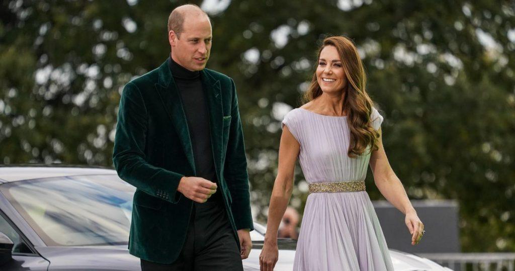 Fans loved Prince William's green velvet jacket |  Royals