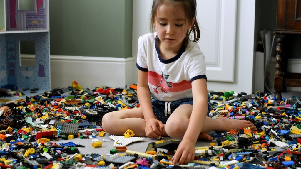 """Lego """"gender neutral"""" now focuses toys on boys and girls"""