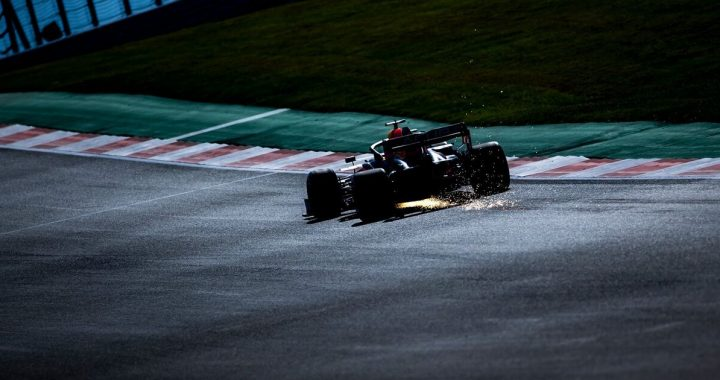 """Mercedes counts two Red Bulls: """"We lost momentum"""""""