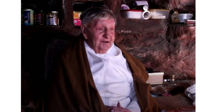 Monk (98) who lived alone in a French cave for half a century, died |  Abroad