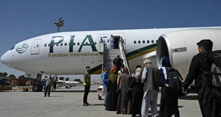 Pakistani airline suspends flights to Kabul, evacuation of interpreters in danger