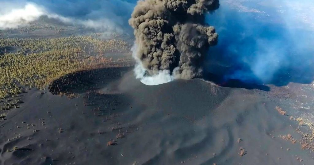 Problems La Palma is not yet finished: airport closed due to ash from the volcano    Abroad