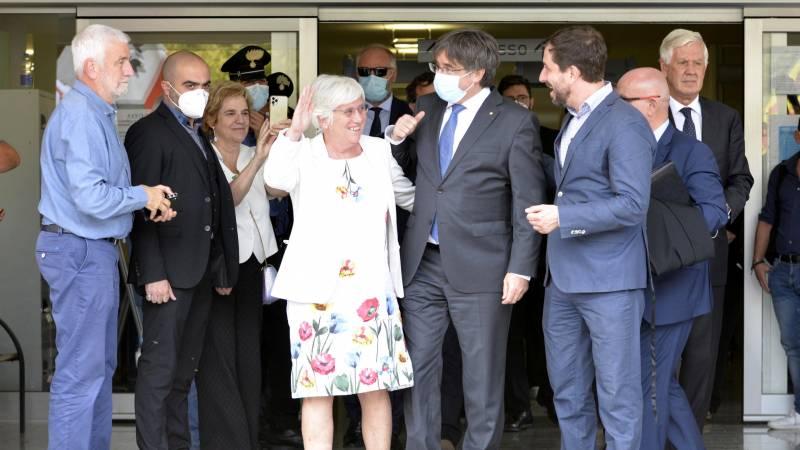 Puigdemont, a temporarily free man;  Italian judge suspends decision