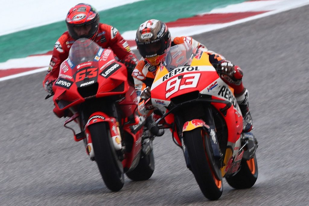 Score the lead in the first MotoGP tests in America