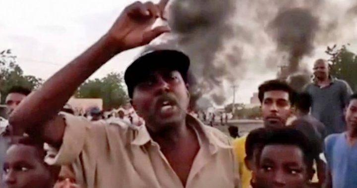 Seven dead after coup in Sudan, government dissolved and state of emergency declared |  Abroad