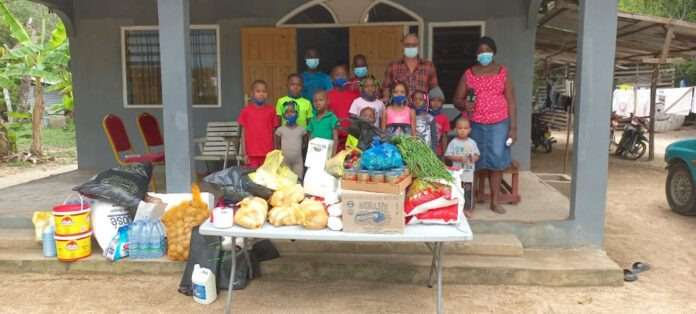 The 1 voor 12 Foundation comes to the aid of the children's home in Coronie after a call for help