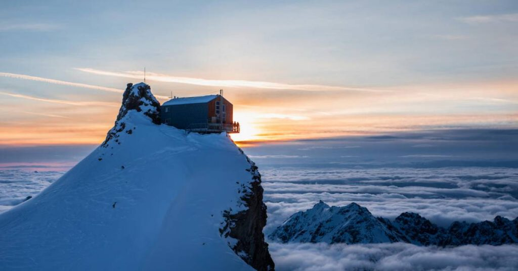 Wanted: guardian of refuge in the Alps at 3450 meters |  Job